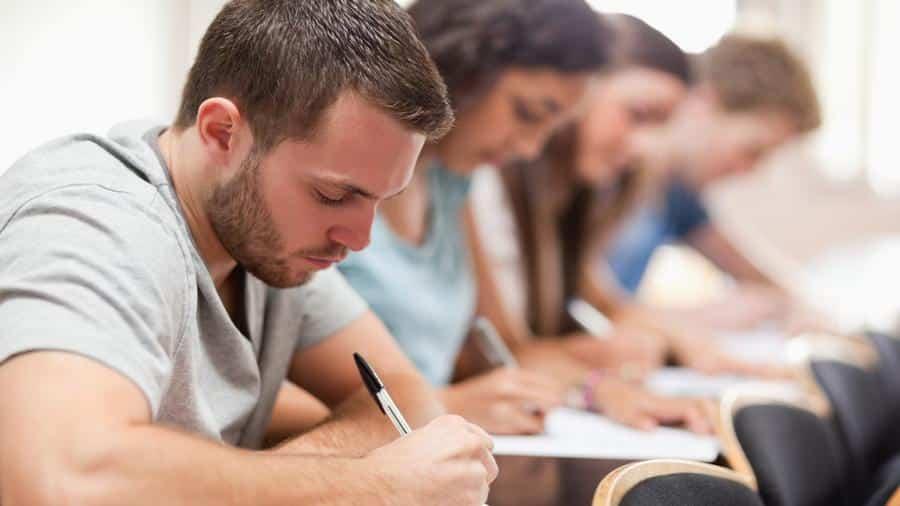 Hat die Klausuranmeldung nicht funktioniert? Wir zeigen dir einen Trick, damit du deine Klausur doch mitschreiben kannst.