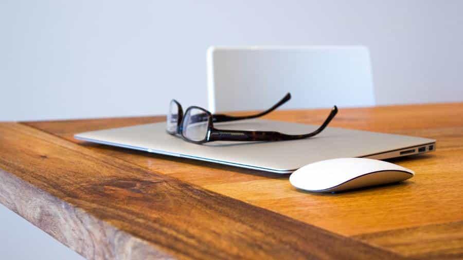 Wenn du erfolgreich studieren möchtest, musst du produktiv arbeiten. Dazu zeige ich dir 7 praktische Ansätze, wie du mit weniger Aufwand mehr schaffst.