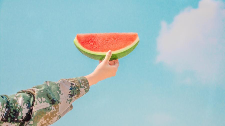 Wie isst man eine Wassermelone? Richtig: Indem man sie in Stückchen schneidet. Und genauso solltest du auch in deinem Studium vorgehen...