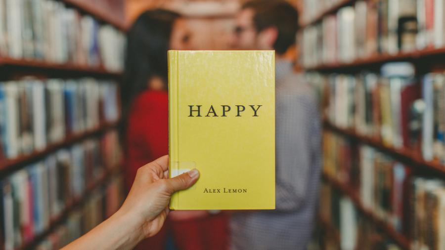 Ein Buch kann dein Leben verändern. Deshalb habe ich 10 wunderbare Bücher für dich zusammengestellt, die dir dabei helfen werden, beim Studieren über den...