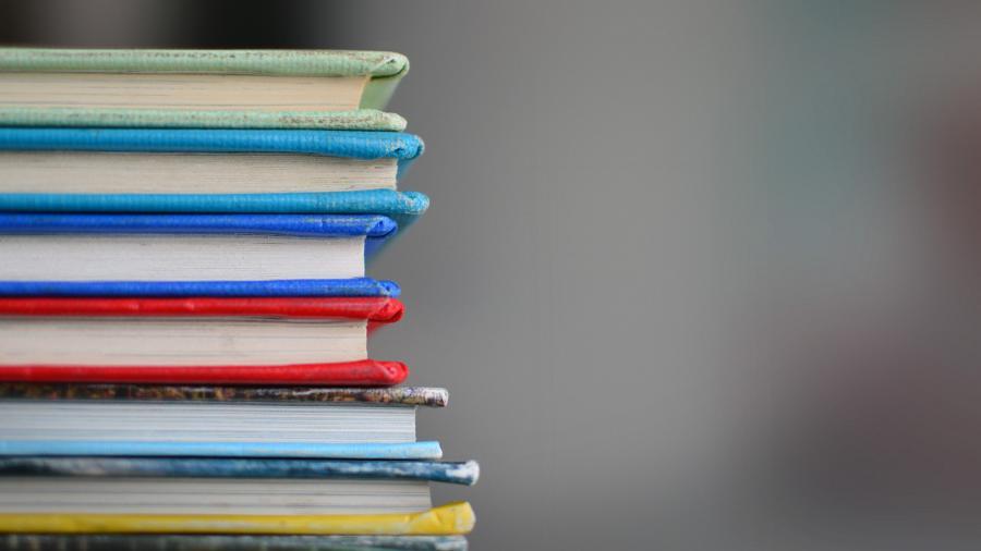 Um die richtigen Schwerpunkte für deine Prüfungsvorbereitung zu setzen, musst du alle Lernmaterialen sichten und filtern.So kannst du den Stoff eingrenzen.