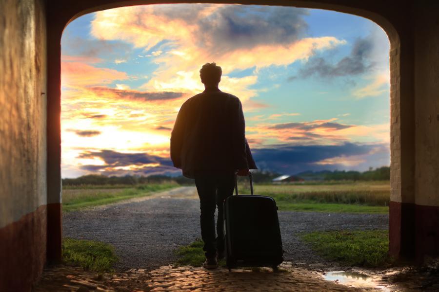 Ein Urlaubssemester muss bei deiner Hochschule beantragt und begründet werden. Und genau dabei passieren viele Fehler. In diesem Artikel zeige ich dir, wie du bei deinem Antrag vorgehen kannst und welche Begründungen gut funktionieren.
