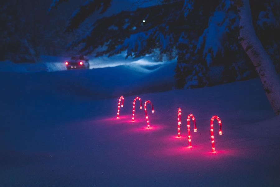 Mit diesen 70 Zitaten über Weihnachten bringst du dich sofort in Weihnachtsstimmung. Diese originellen Weihnachtszitate sind perfekt für Weihnachtskarten oder besondere Anlässe.