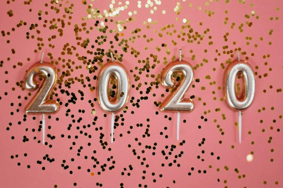 Damit du motiviert und erfolgreich in dein neues Jahr startest, habe ich 100 inspirierende Zitate für dich zusammengestellt. Silvester und Neujahr können kommen!